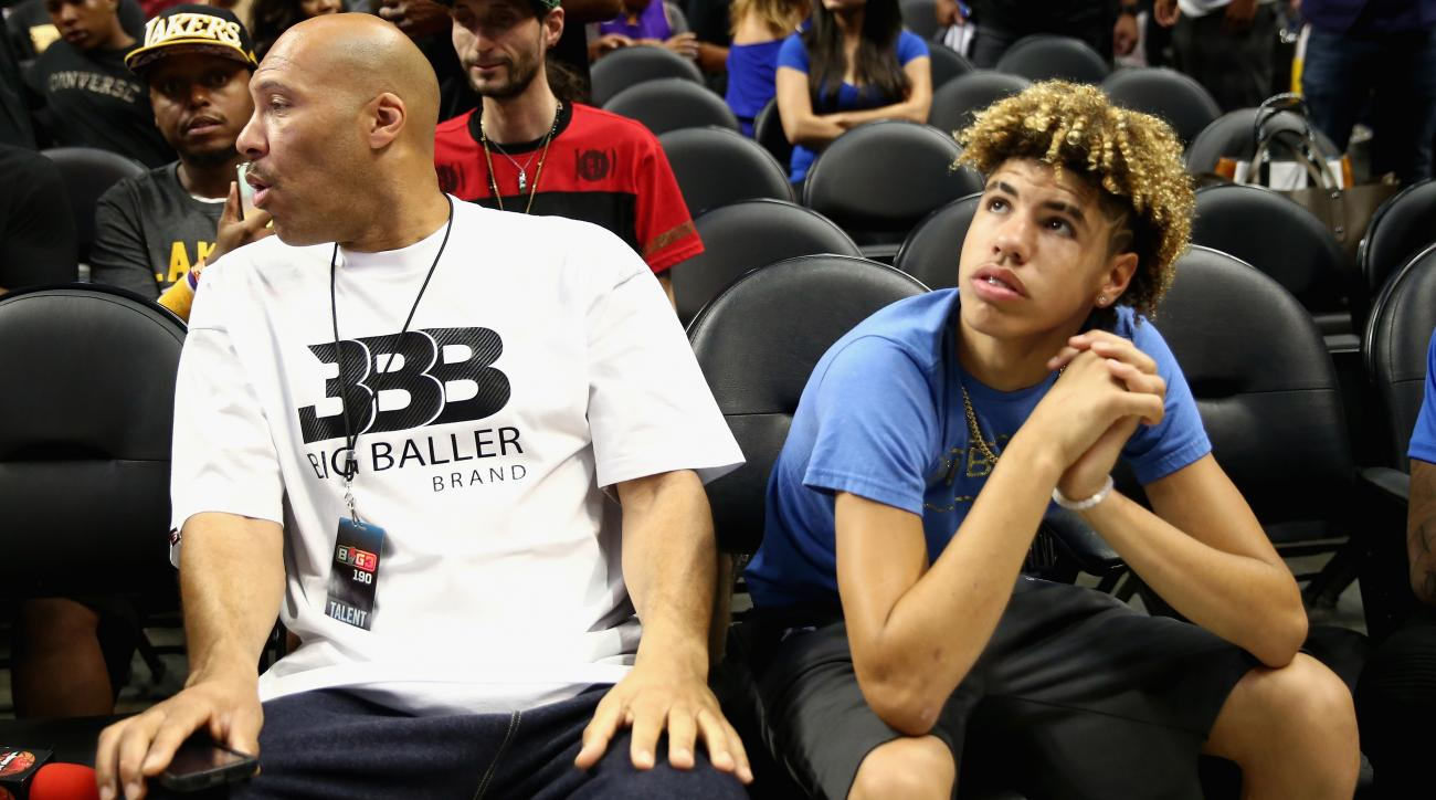 LaVar Ball Announces He's Pulling LaMelo Ball From His High School
