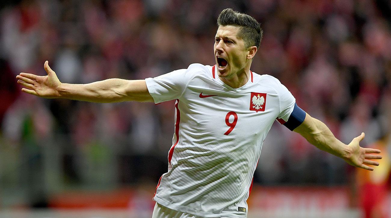 Lewandowski's goals see Poland through to finals