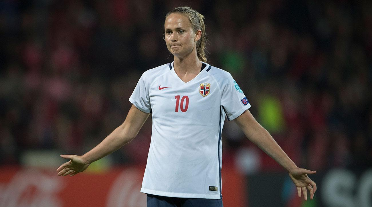 Norway to pay male and female internationals equally
