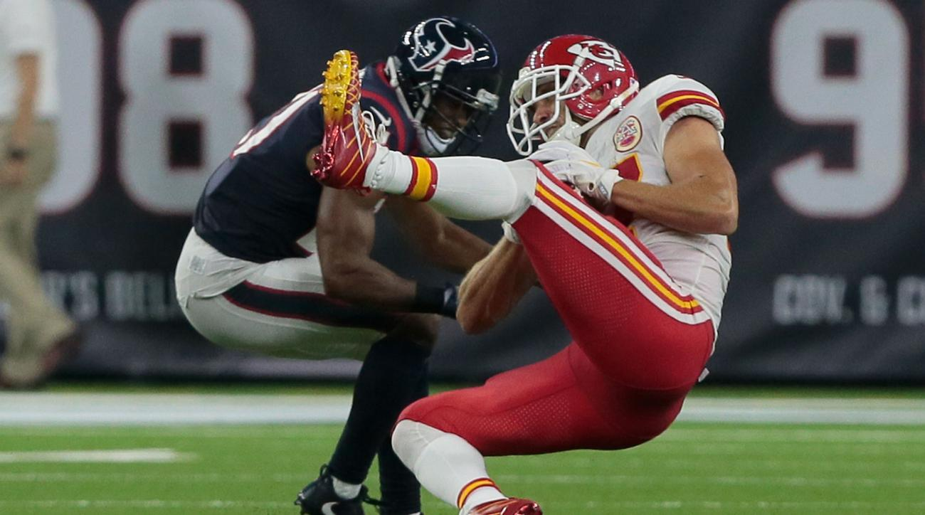 Travis Kelce injury news Chiefs TE in concusion protocal