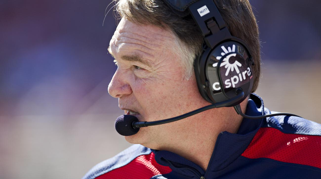 Reactions to Houston Nutt finally getting his long-awaited apology from Ole Miss