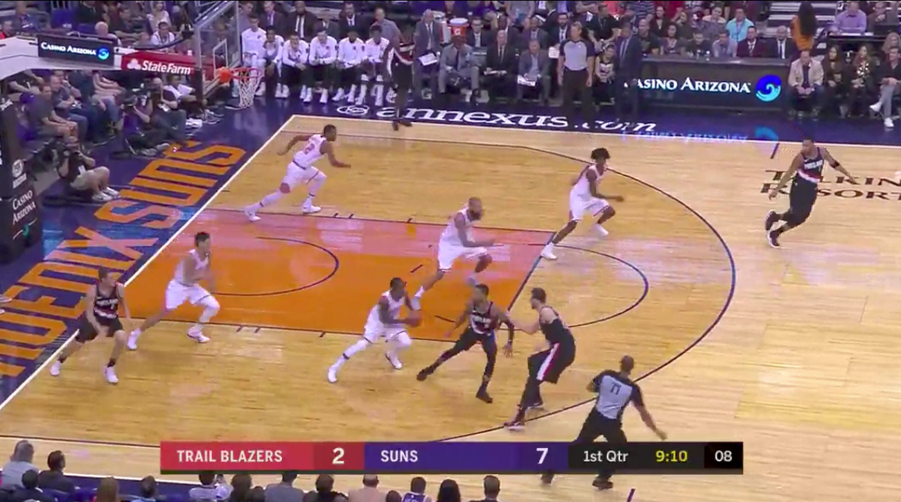 Every player breaks in transition in exact same time — Watch Suns synchronicity