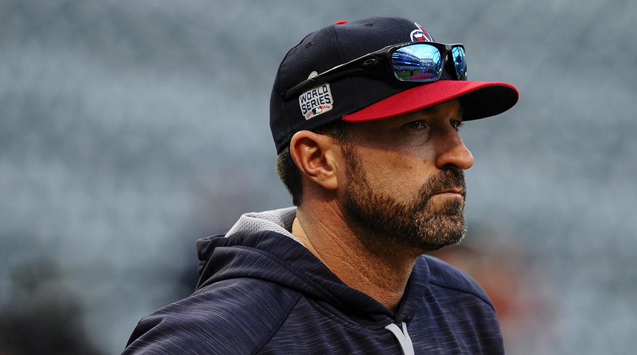 Mets hire Indians pitching coach Mickey Callaway as manager