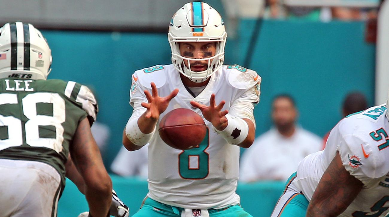 Coming off the bench in the third quarter, Matt Moore finished 13 of 21 for 188 yards, two touchdowns and an interception to help the Dolphins beat the Jets 31-28.