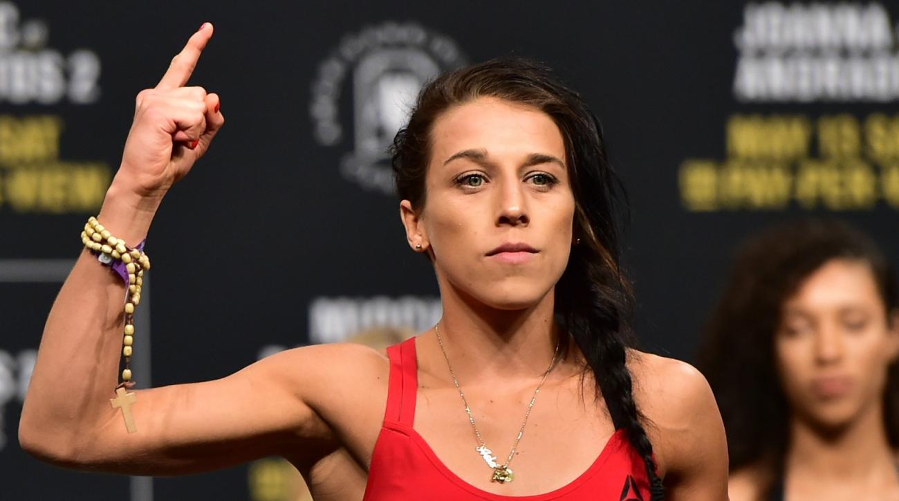 Joanna Jedrzejczyk lost to Rose Namajunas by first-round TKO at UFC 217