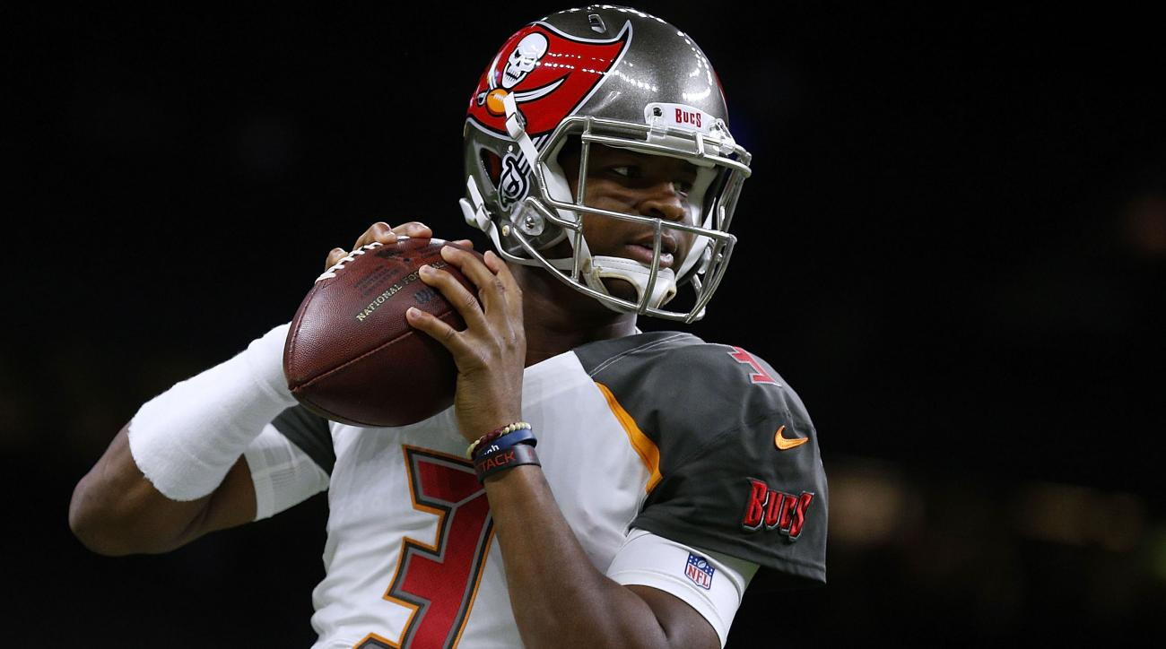 Jameis Winston comes off sideline to instigate a fight after getting pulled