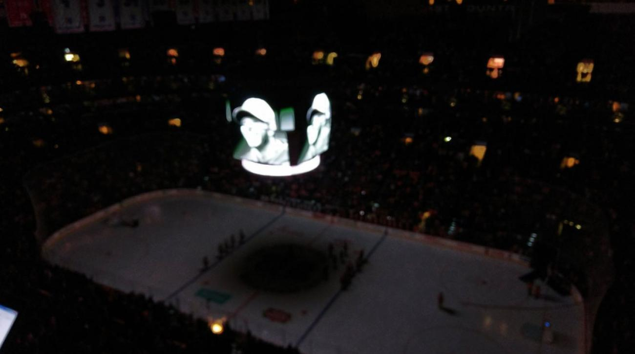 Flyers moment of silence for Roy Halladay
