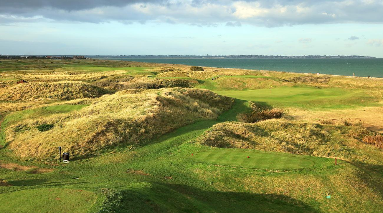 The 149-yard, par-3 4th hole at Royal Cinque Ports.