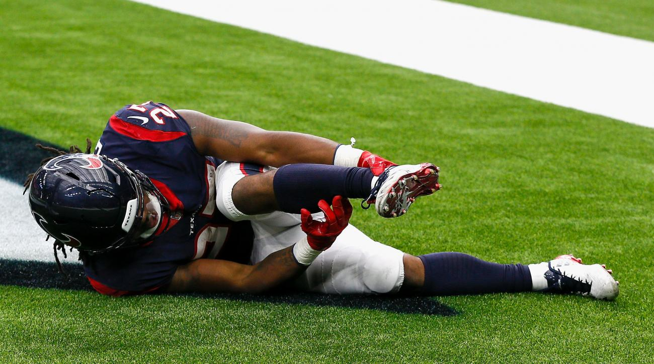 Texans rookie scores first career touchdown, then suffers gruesome injury