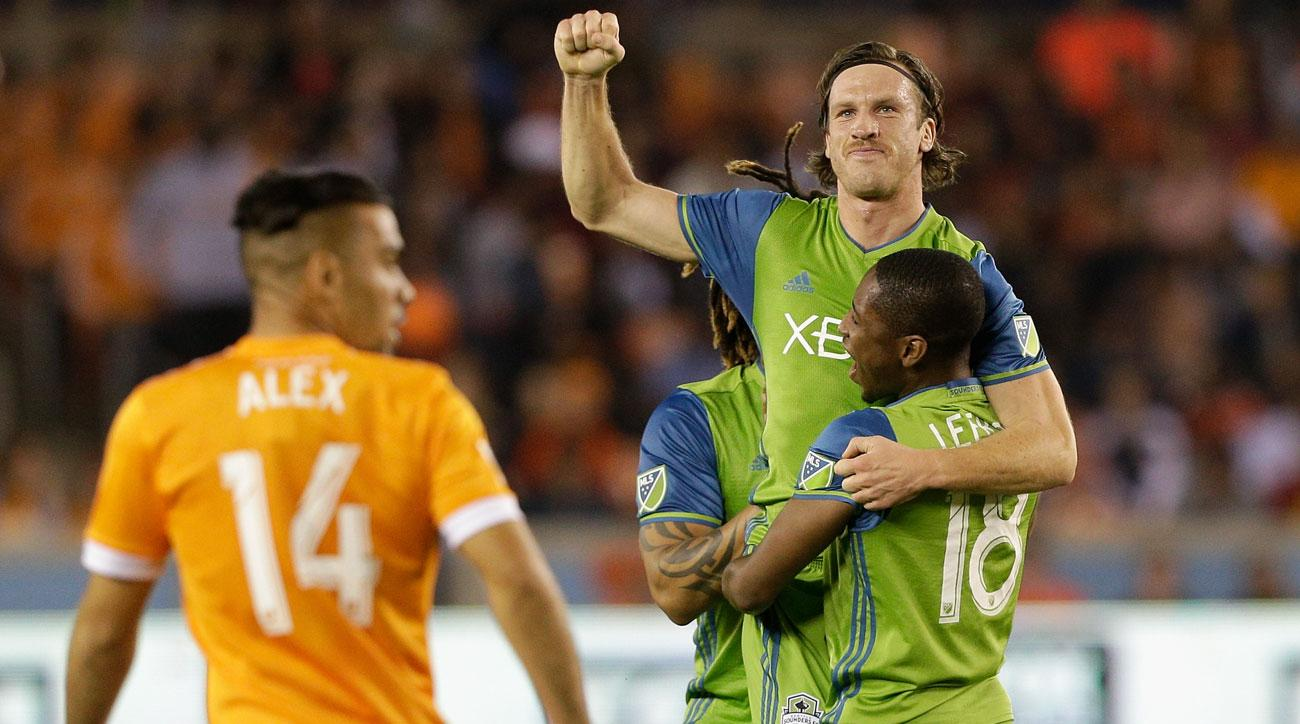 MLS PLAYOFFS: Sounders dominate in first leg