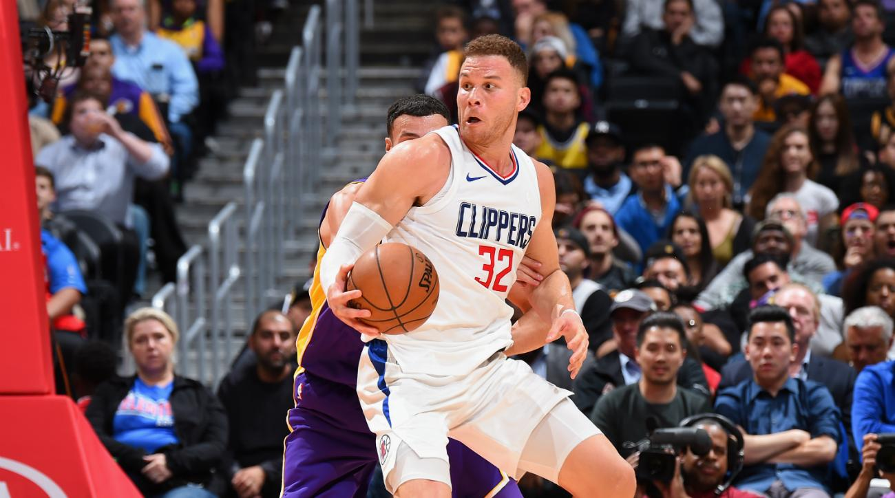 Clippers' Blake Griffin leaves game with nasty looking knee injury