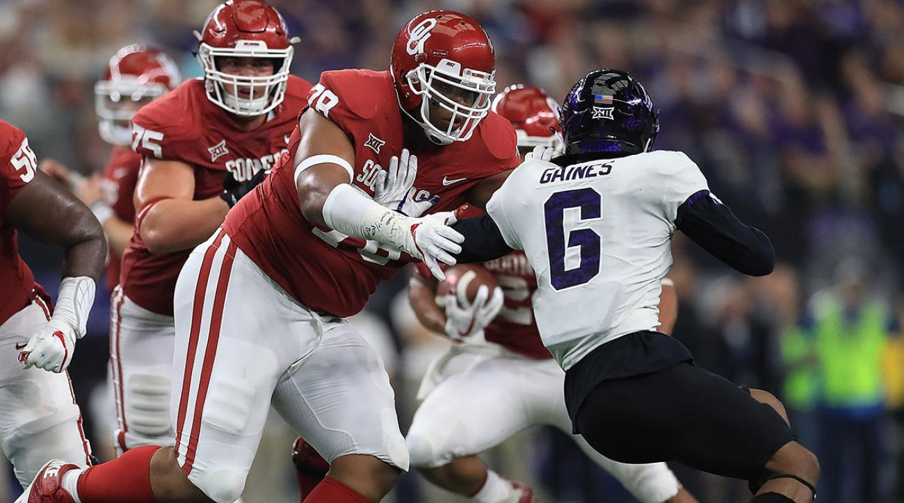 Orlando Brown #78 of the Oklahoma Sooners blocks Innis Gaines #6 of the TCU Horned Frogs in the third quarter during Big 12 Championship at AT&T Stadium on December 2, 2017 in Arlington, Texas. (Photo by Ronald Martinez/Getty Images)