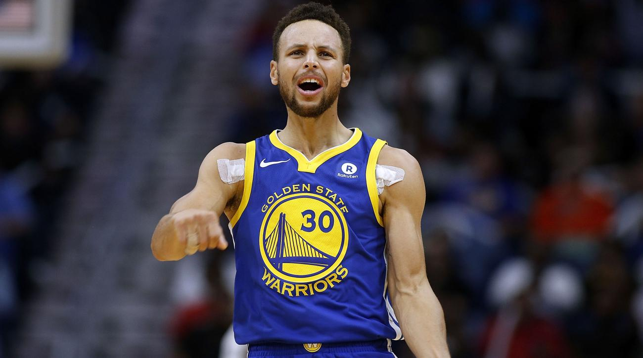Warriors star Curry suffers ankle injury