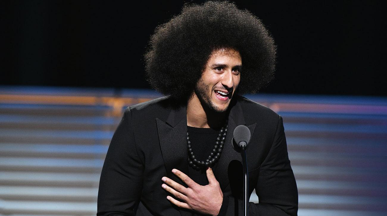 Beyoncé surprises Colin Kaepernick with Legacy award