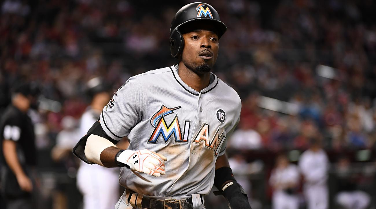 Mariners acquire Dee Gordon from the Marlins