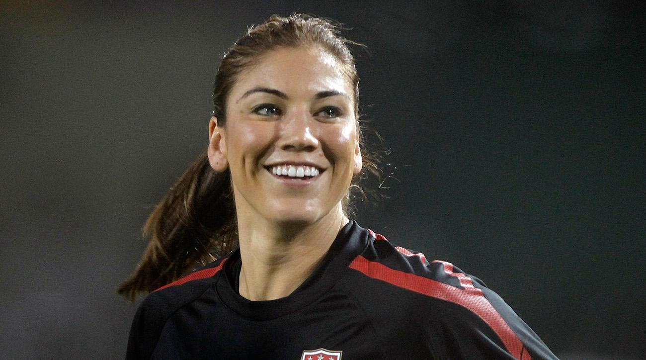 Hope Solo's Nude ESPN Shoot Included Dropping Her Robe, Sprinting In The Middle Of The Street