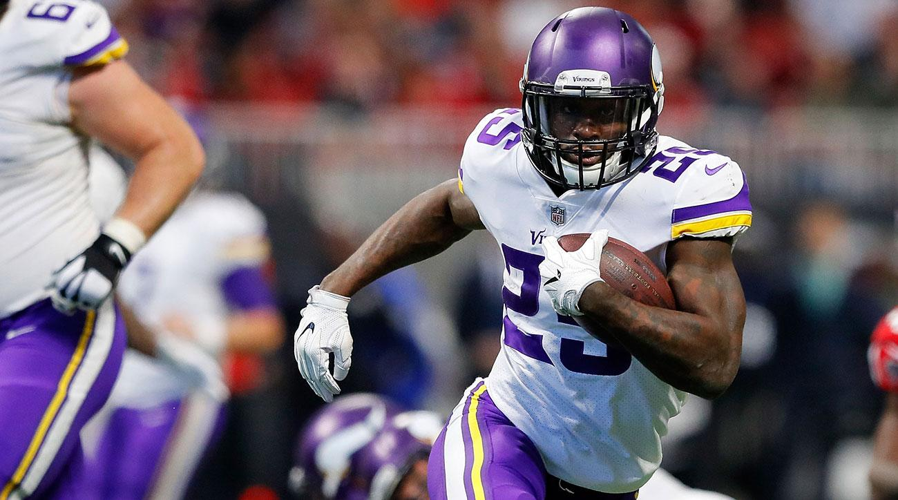 Latavius Murray #25 of the Minnesota Vikings runs the ball during the first half against the Atlanta Falcons at Mercedes-Benz Stadium on December 3, 2017 in Atlanta, Georgia. (Photo by Kevin C. Cox/Getty Images)