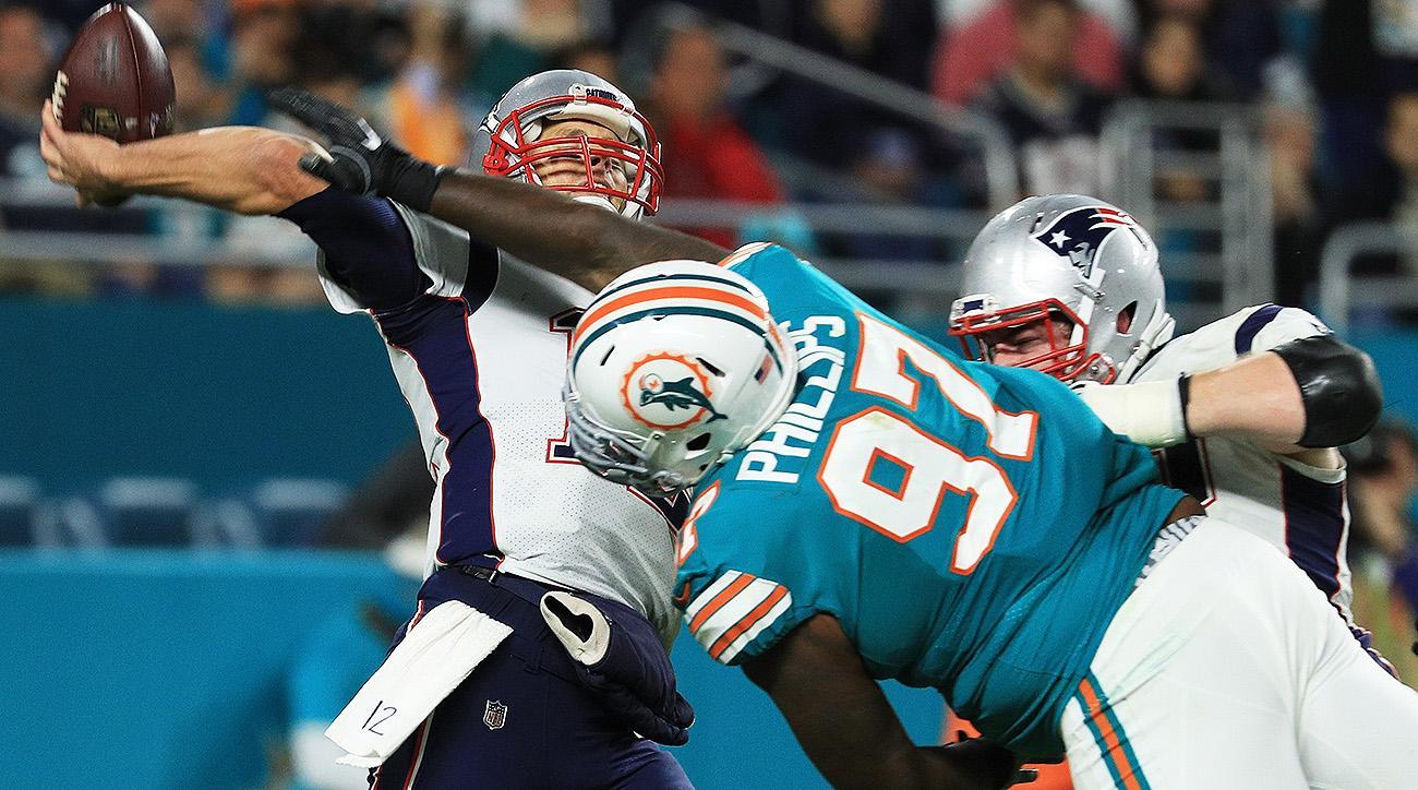 Patriots QB Tom Brady vs. Dolphins