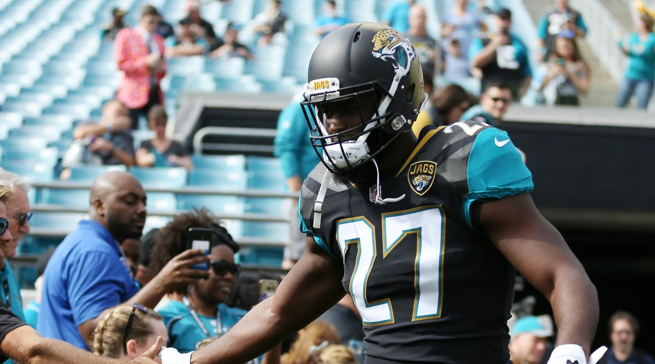 Jaguars' Fournette expects to play despite quad injury