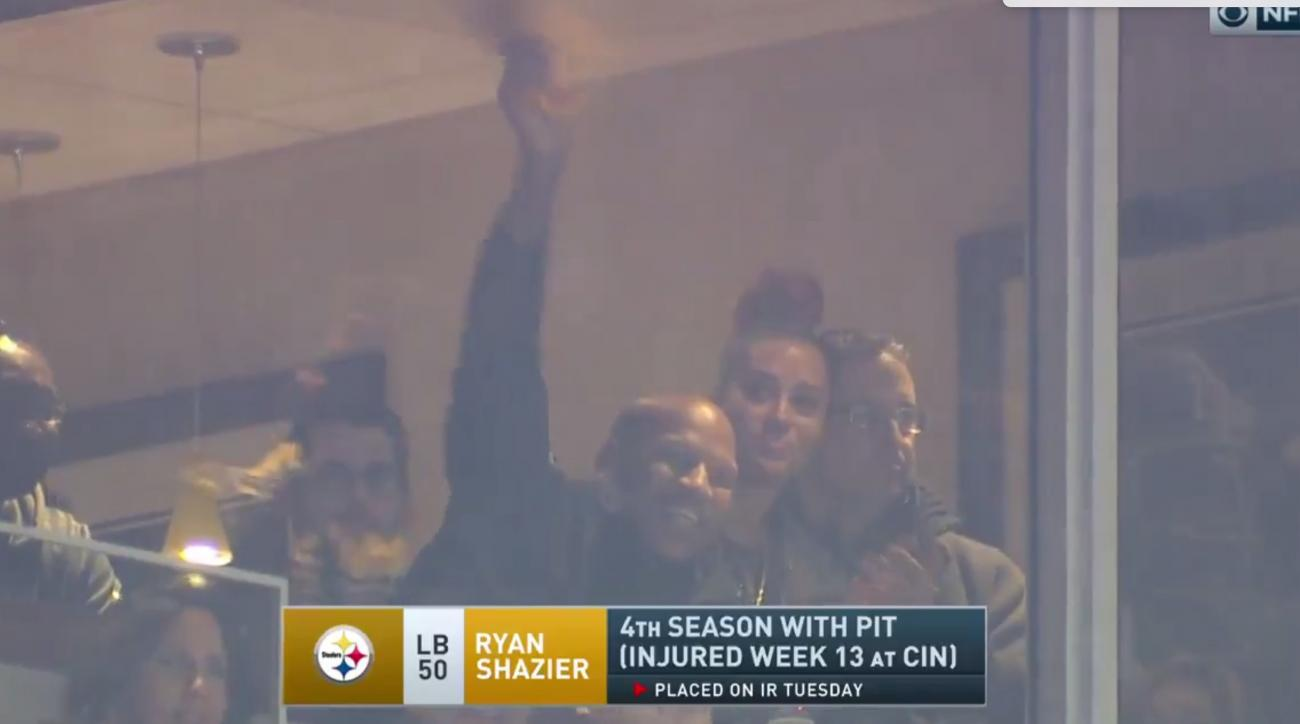 Injured linebacker Ryan Shazier cheering on Steelers at Heinz Field