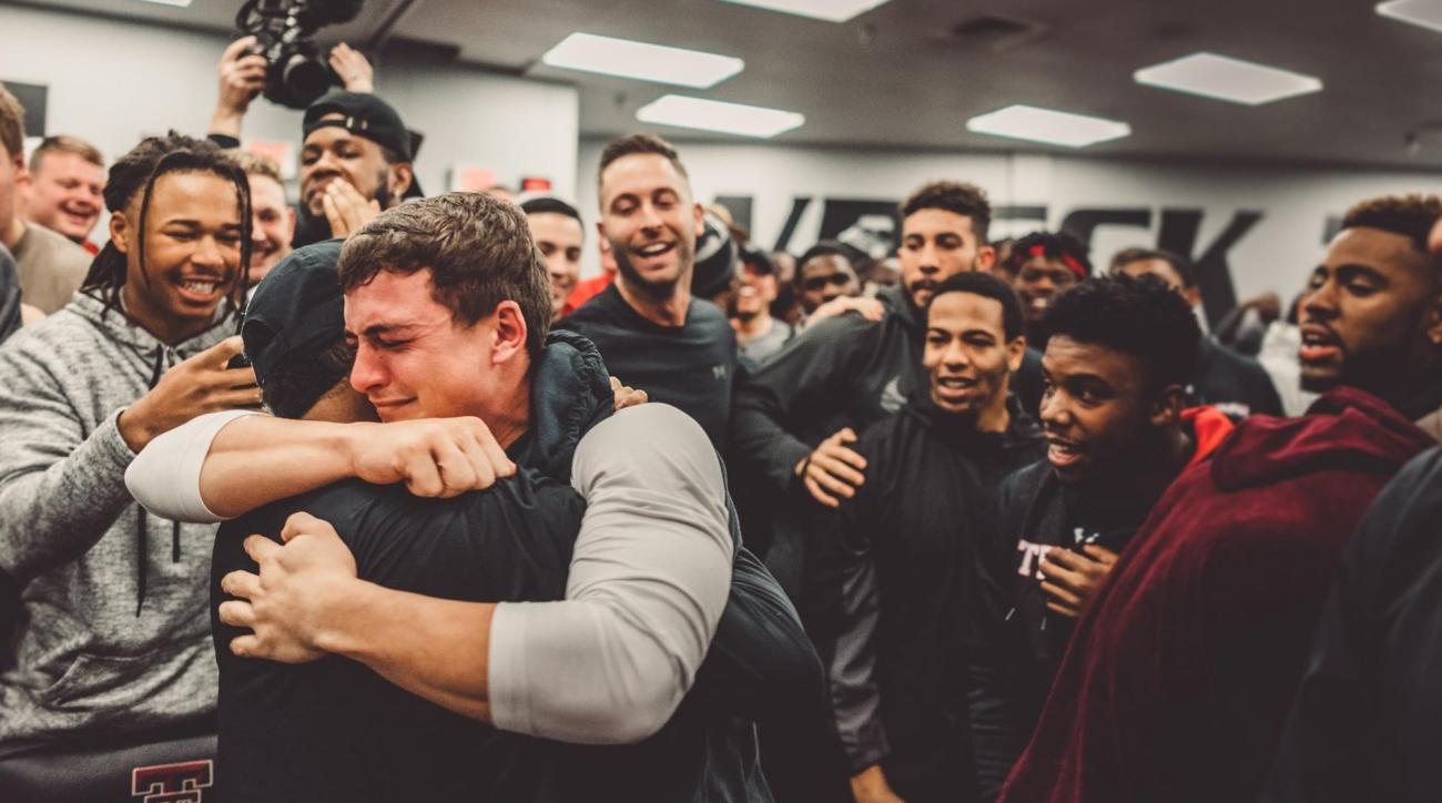 Danny Amendola, Rob Gronkowski Surprise Texas Tech Player With Scholarship