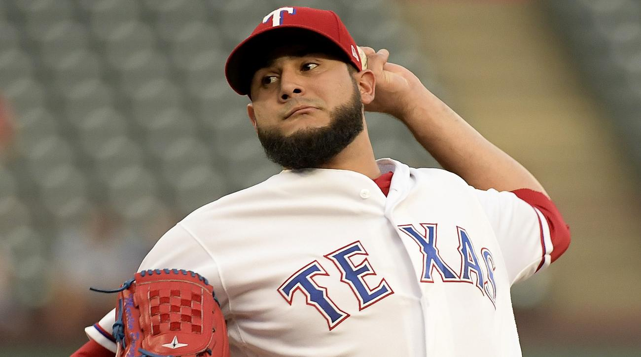 Rangers pitcher suffers offseason's first freakish injury after 'incident with a bull'