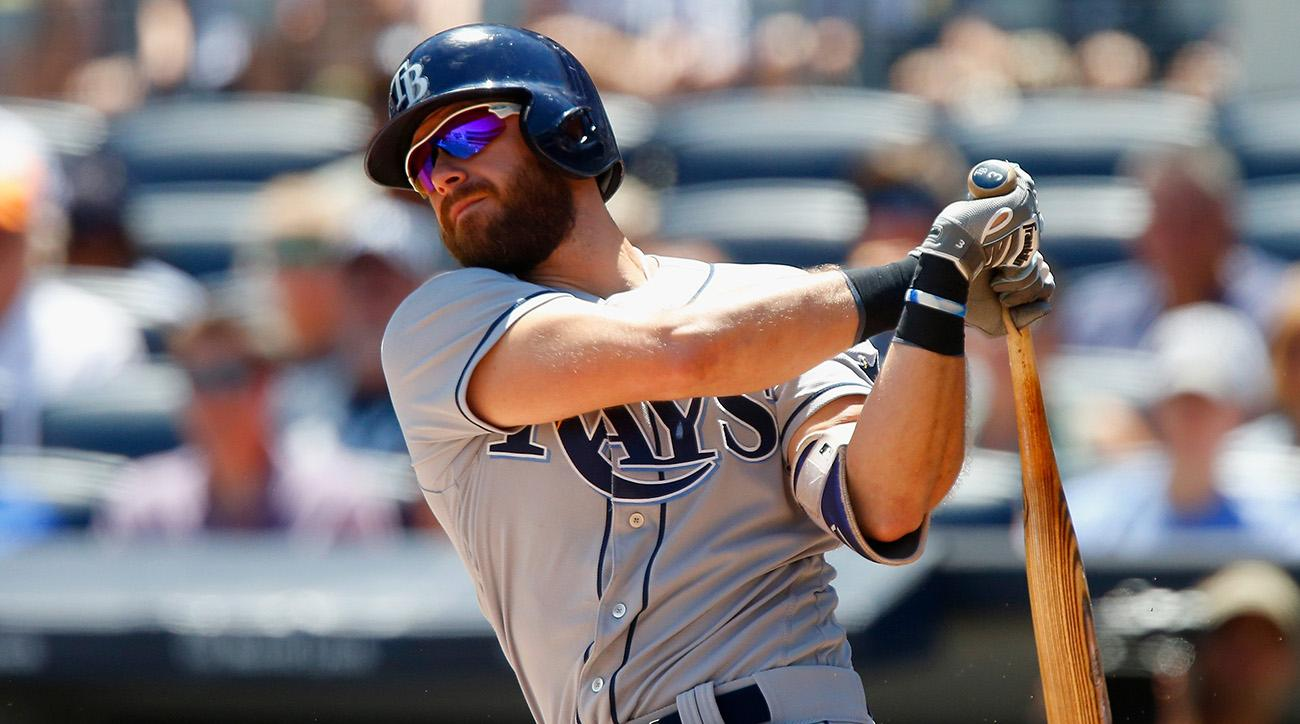 Giants land slugging third baseman Evan Longoria in blockbuster trade