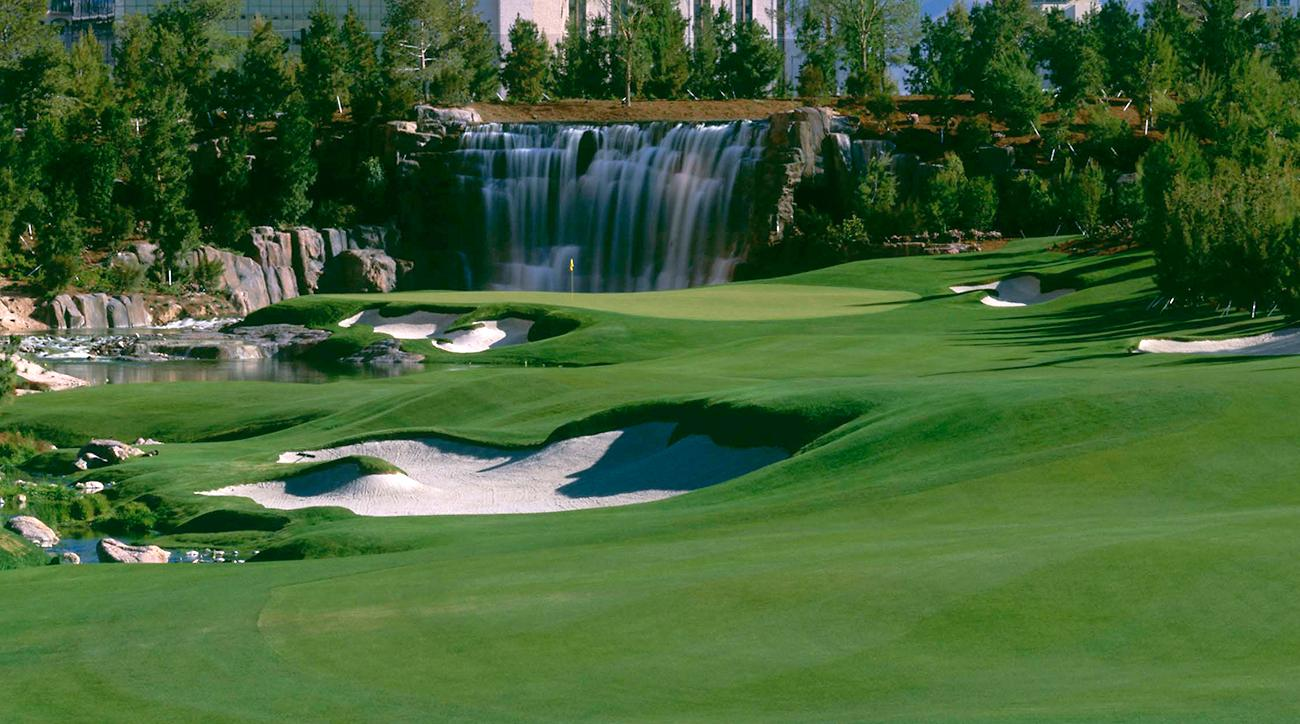 The 18th green at Wynn Golf Club in Las Vegas, which closed on Sunday.