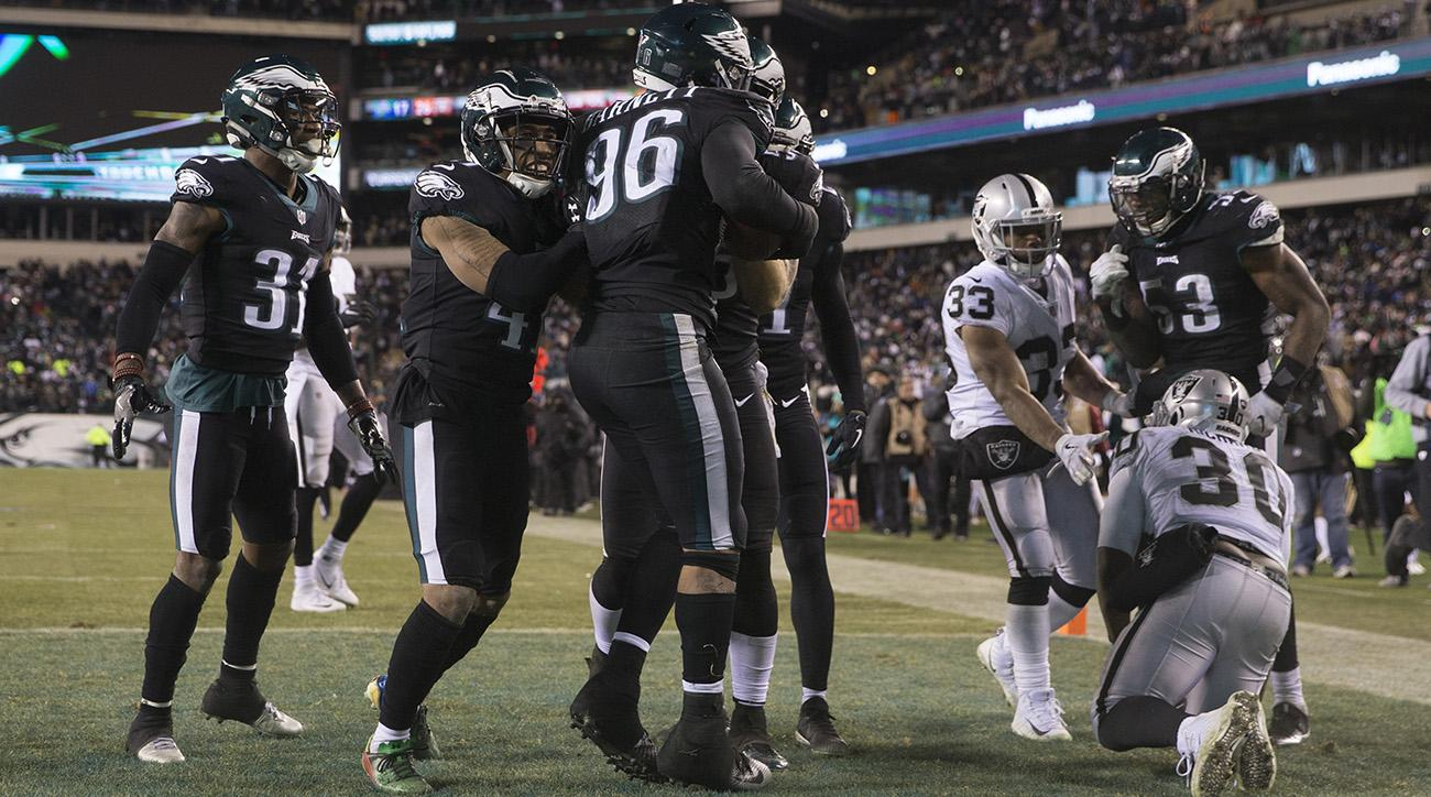 Eagles scored a last-second touchdown against the Raiders