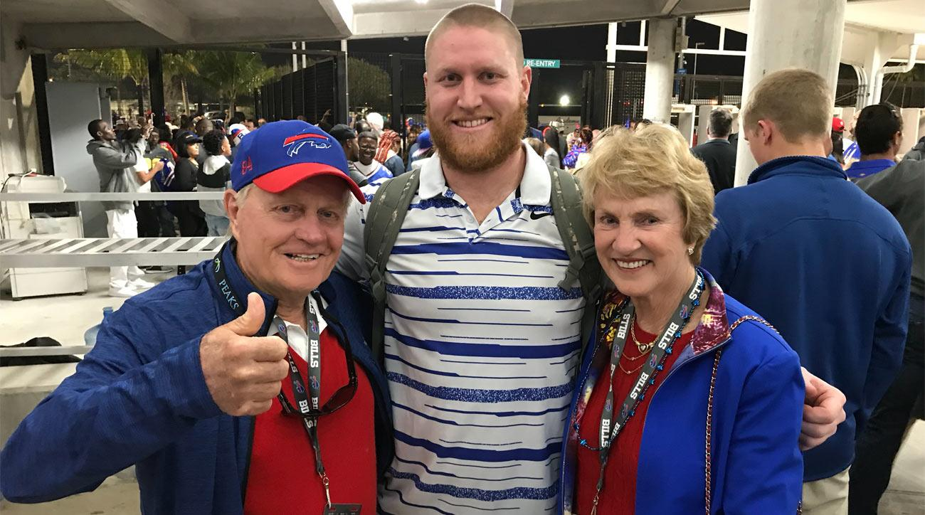 Jack and Barbara with their grandson Nick O'Leary, who plays tight end for the Buffalo Bills.