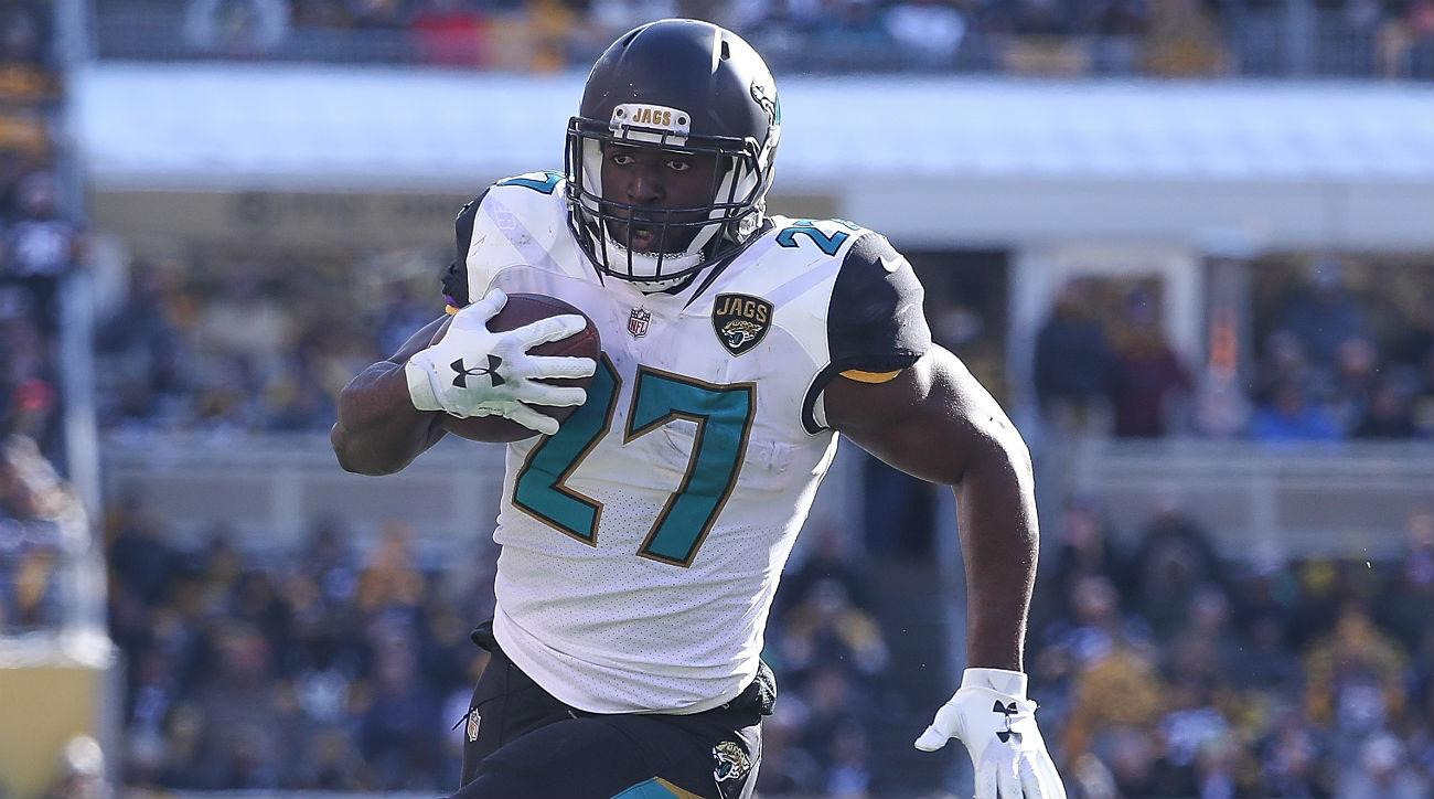 Leonard Fournette #27 of the Jacksonville Jaguars runs for a touchdown against the Pittsburgh Steelers during the first half of the AFC Divisional Playoff game at Heinz Field on January 14, 2018 in Pittsburgh, Pennsylvania. (Photo by Rob Carr/Getty Images)