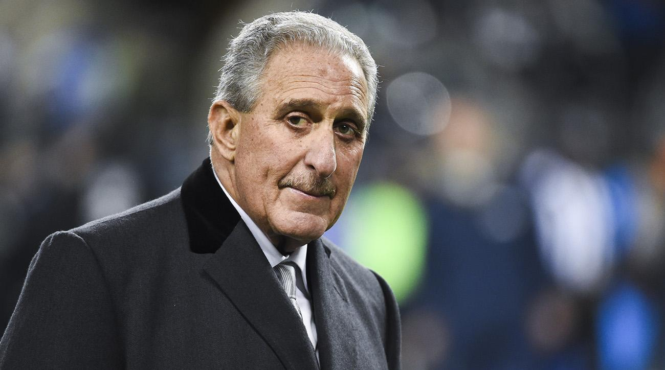 Falcons owner Arthur Blank irked by Patriots' 283-diamond rings