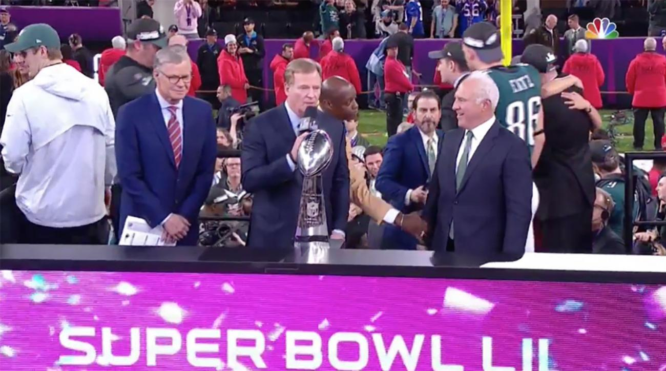 Roger Goodell Not Booed Presenting Super Bowl Trophy Video