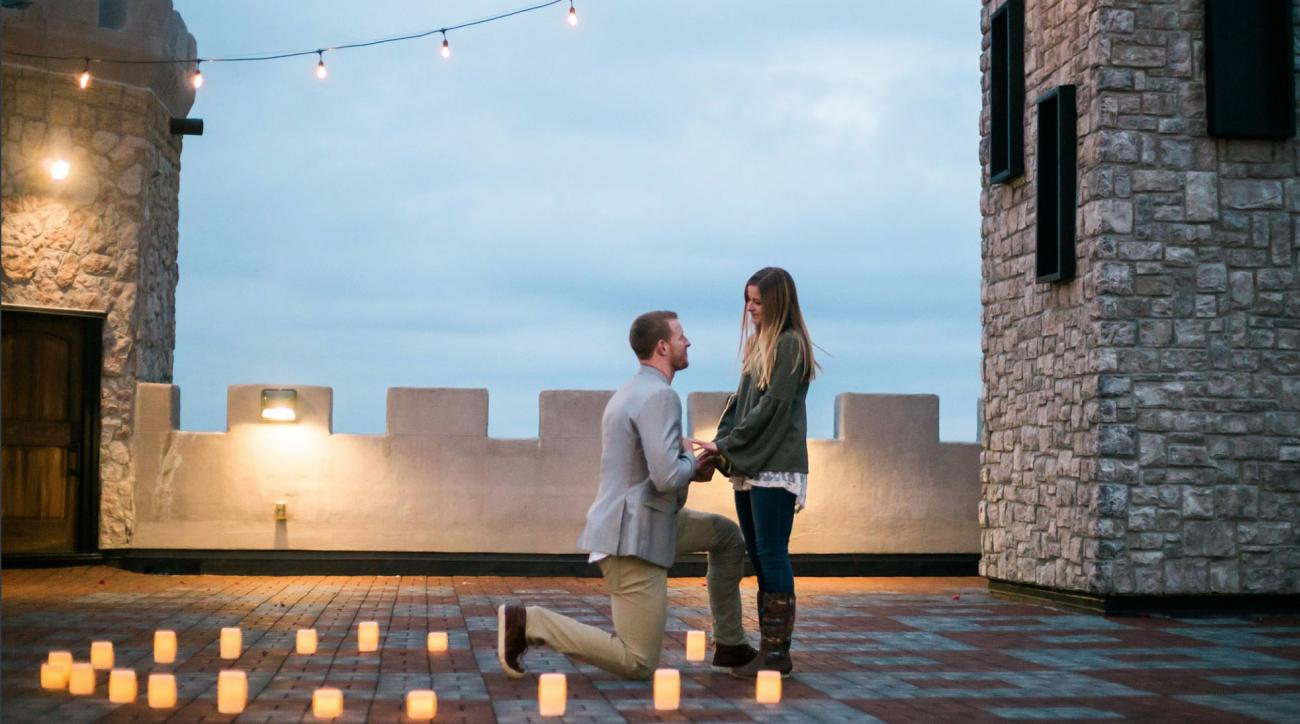 Carson Wentz gets engaged two days after Eagles' Super Bowl triumph