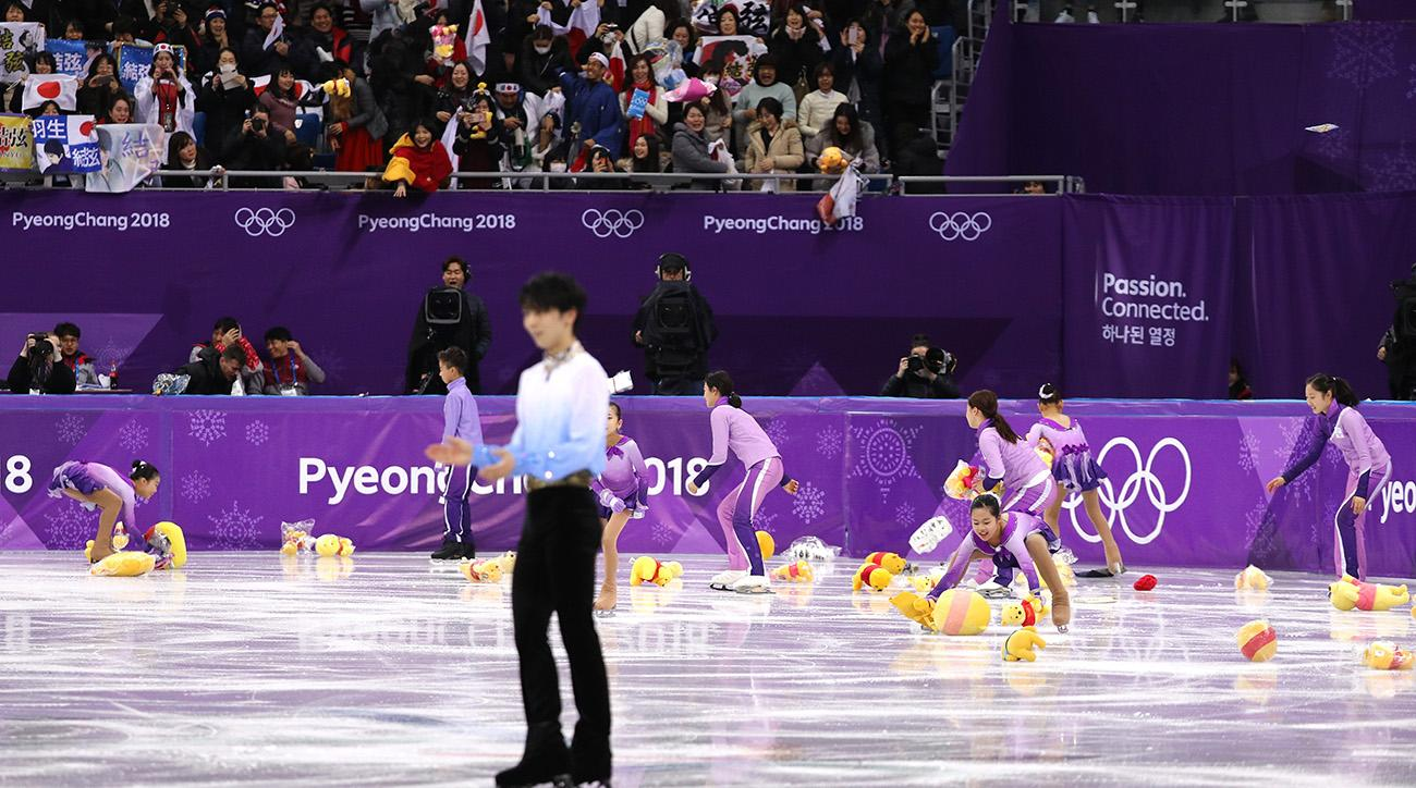 Hanyu breaks 66-year old record to defend men's figure skating title