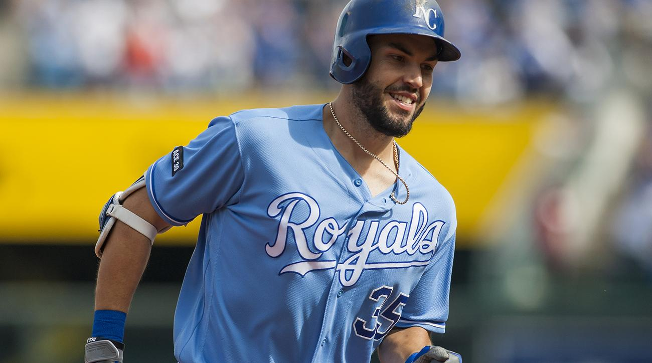 Padres to sign Eric Hosmer to largest deal in franchise history