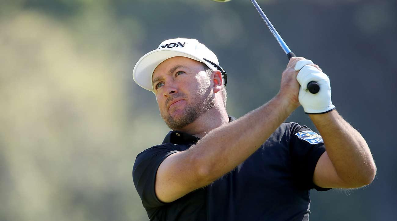 McDowell, Cantlay share Riviera lead; Woods makes early exit