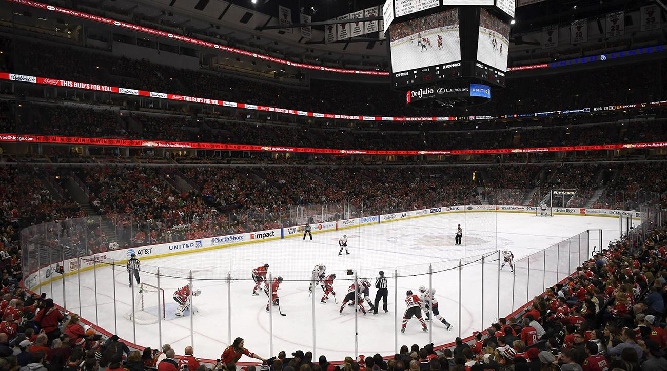 Chicago fans ejected after heckling Capitals' Devante Smith-Pelly with racist taunt