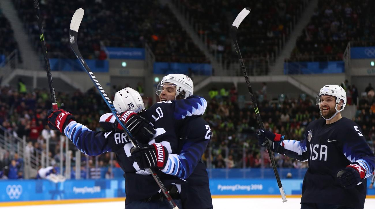 Olympics-Ice Hockey-Czechs beat USA in shootout to reach semis