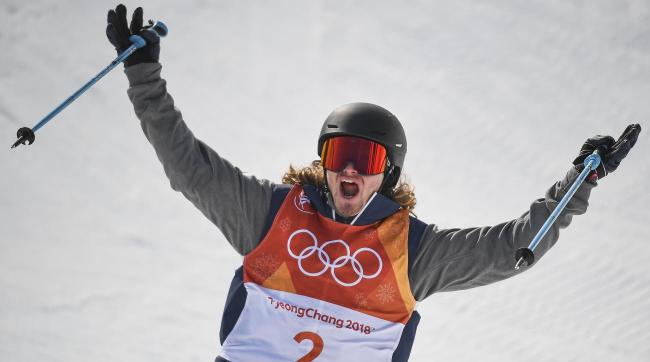 Olympic skiers win medals in men's halfpipe