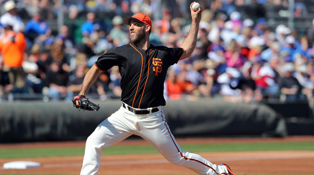 Madison Bumgarner fractured left hand