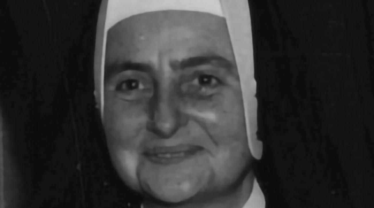 Sister Jean: Loyola Chicago chaplain photo from 1963 | SI com