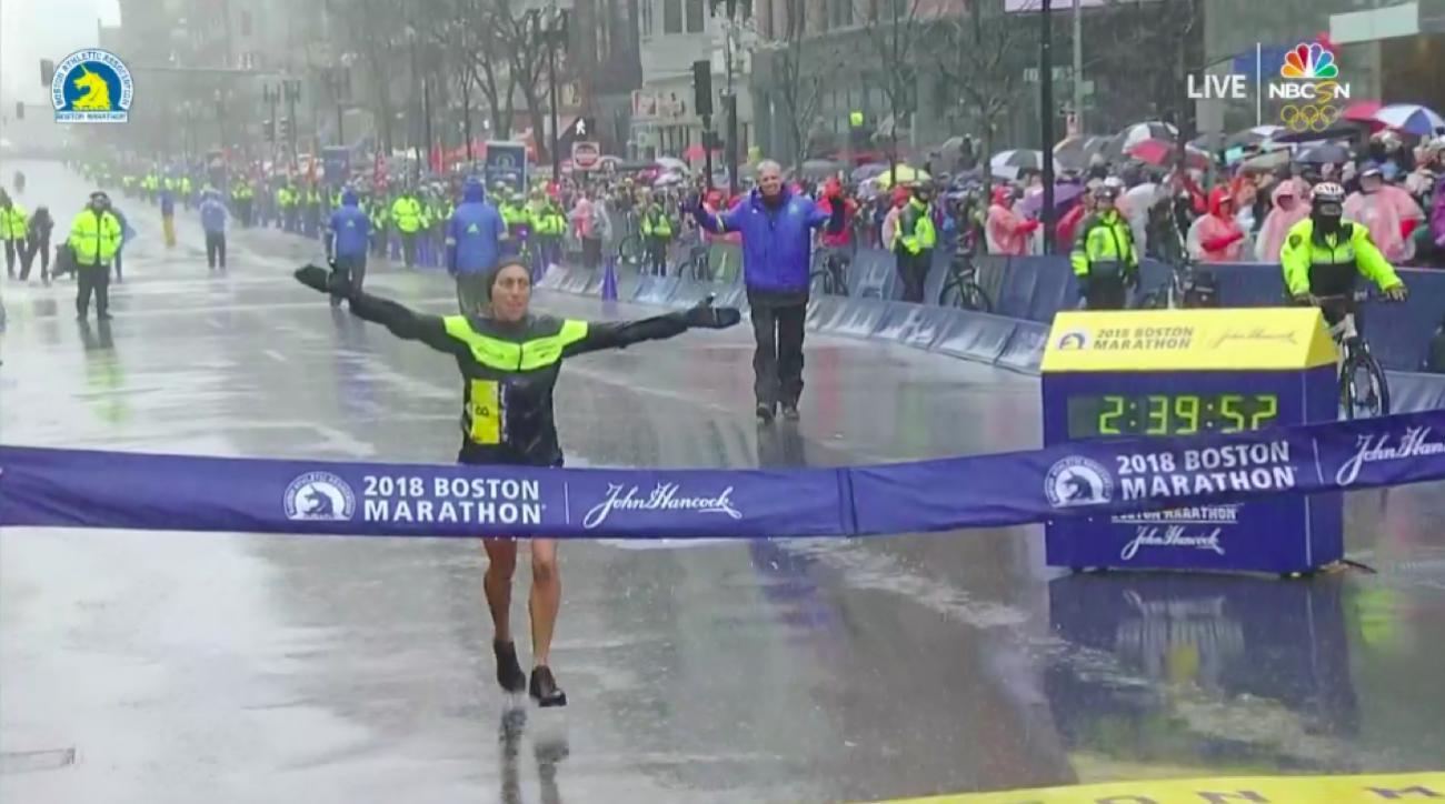 desi linden wins boston marathon 2018