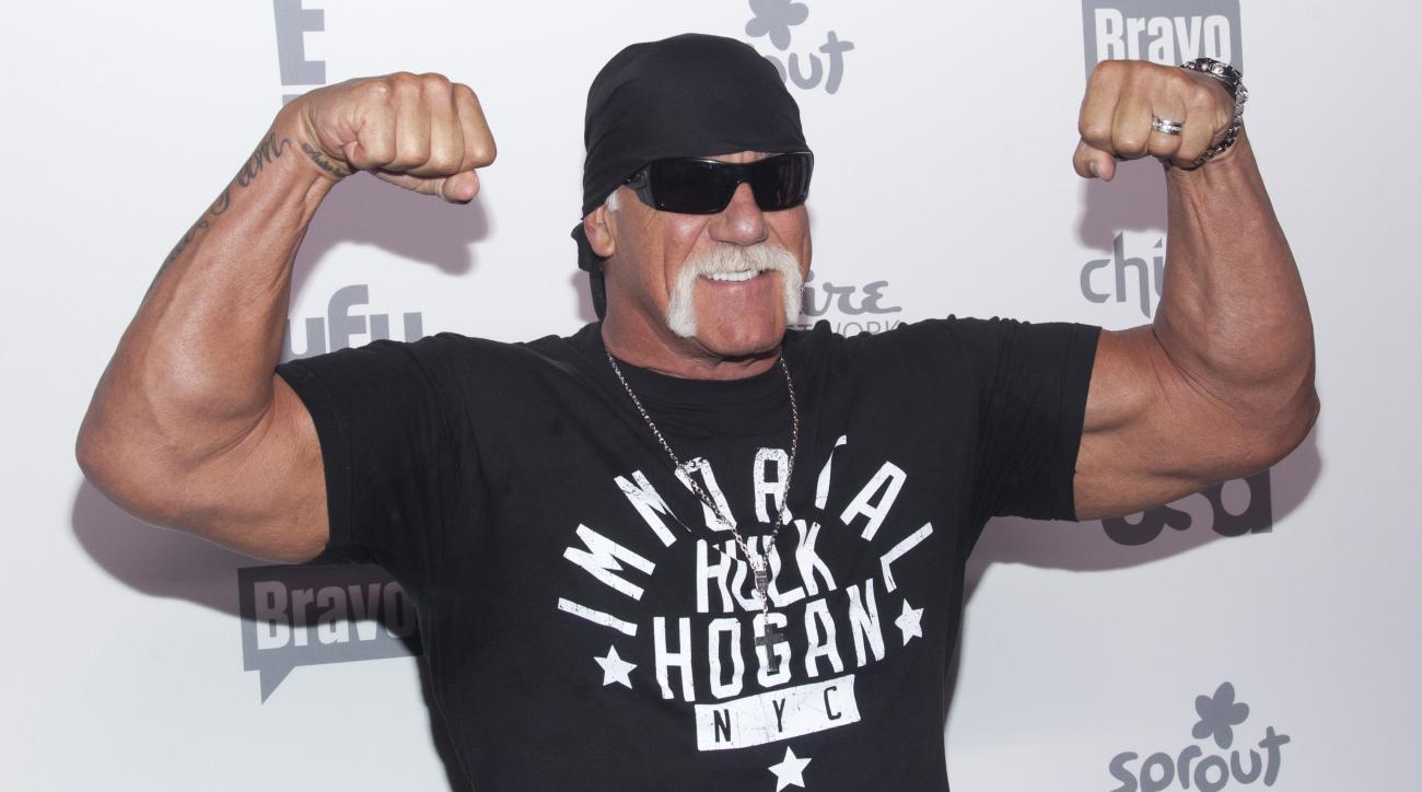 Hulk Hogan addresses racist sex tape in speech (video)