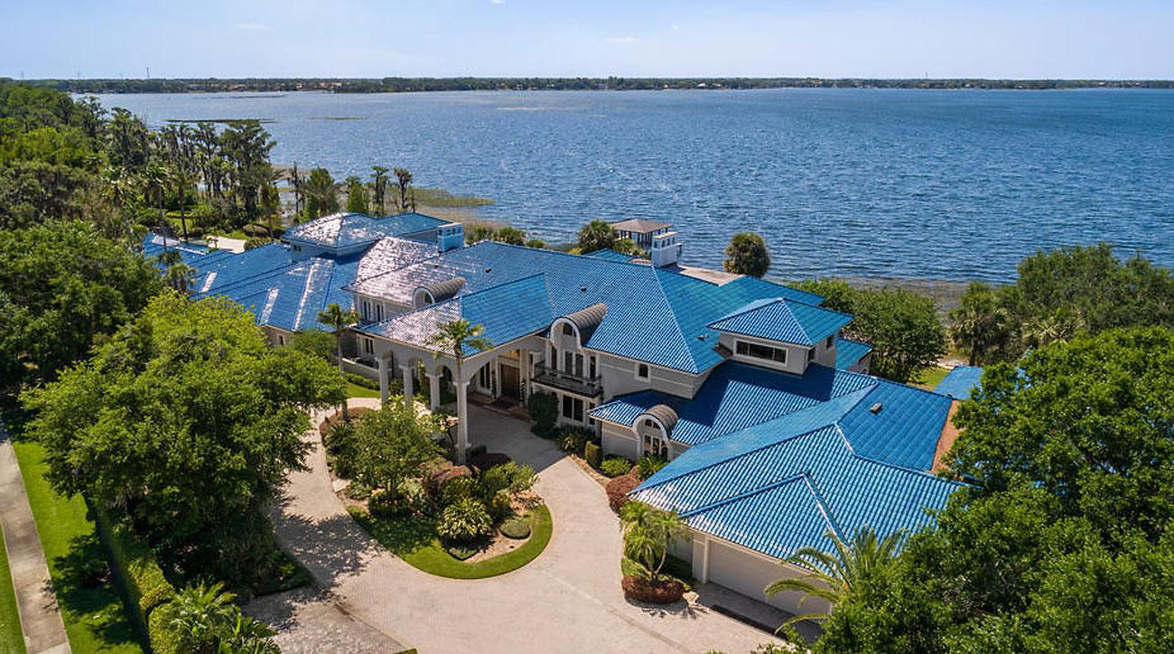 Shaquille o 39 neal 39 s 28 mil isleworth mansion is for sale for Shaquille o neal s home