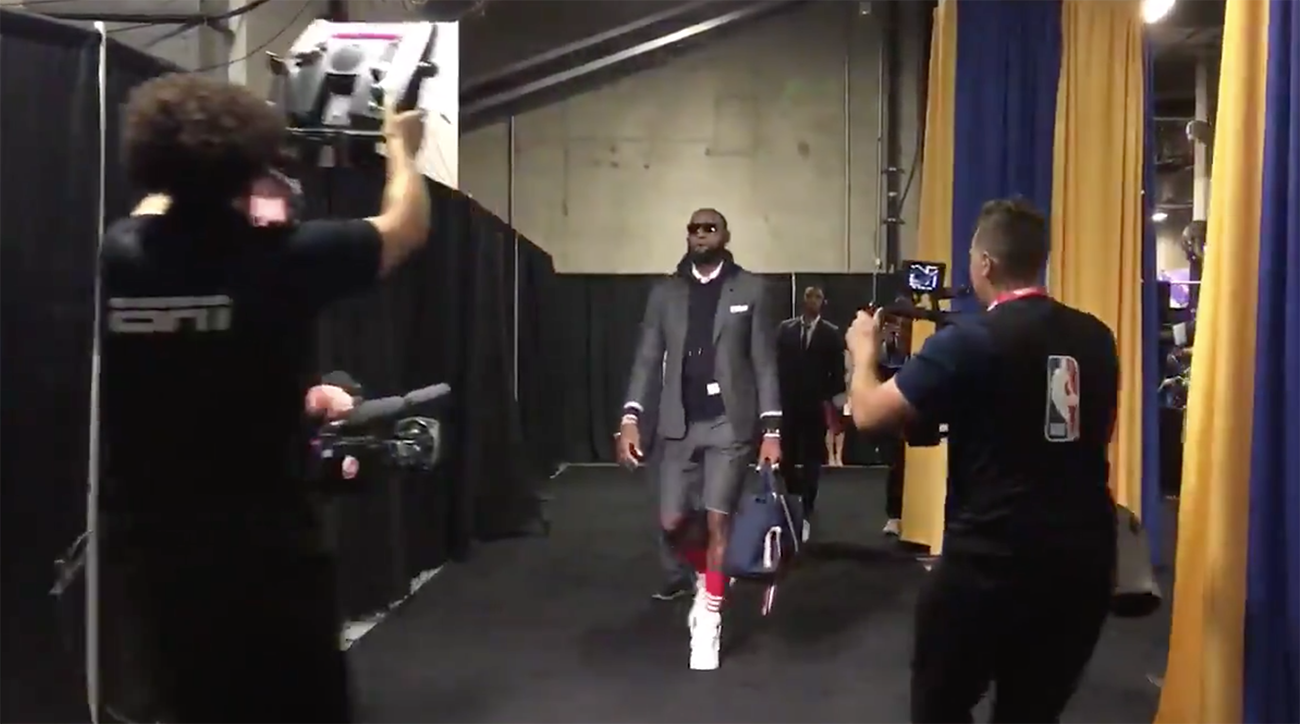 lebron james, LeBron James shorts suit, draymond green shorts suit, cleveland matching suits, cavaliers, warriors, cavs warriors, nba finals game 2, 2018 nba finals