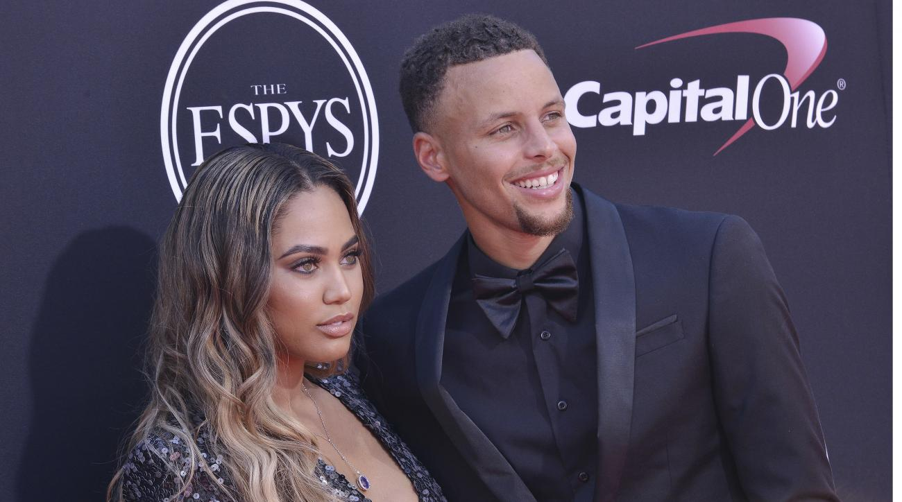 8938edf5d617 Ayesha Curry restaurant  Rockets fans leave negative reviews