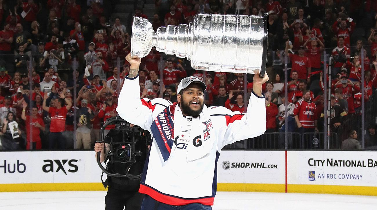 devante smith pelly contract extension