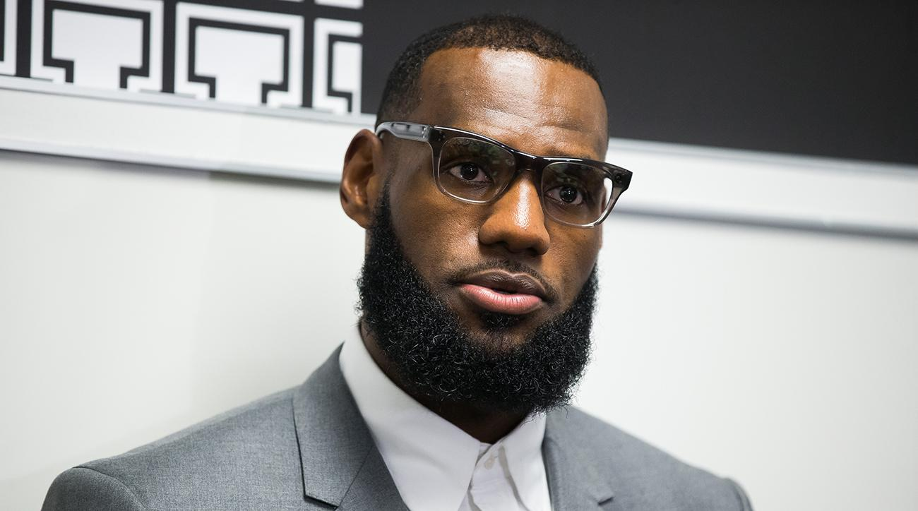 60b34d9ec44e Donald Trump tweets on LeBron James  Twitter reacts to president ...