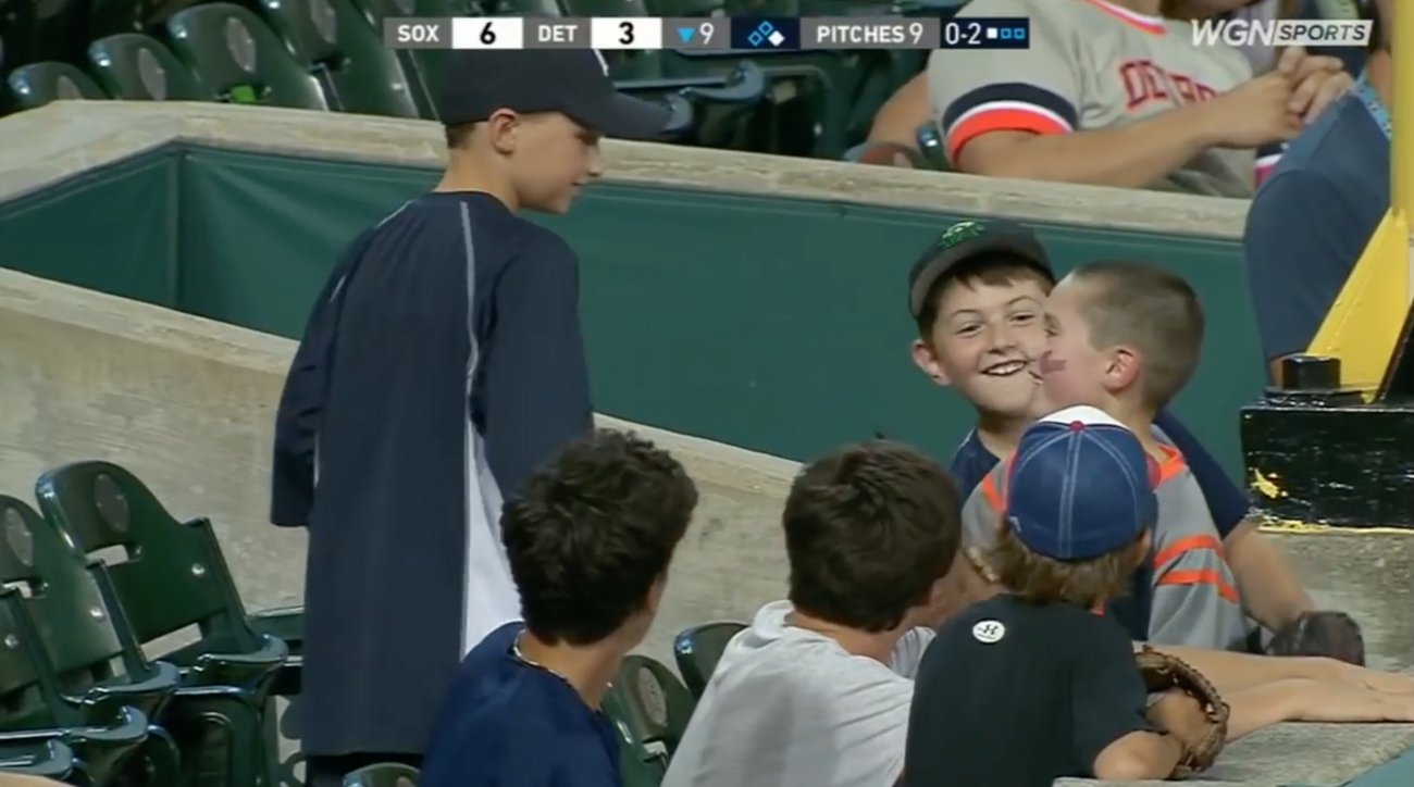 Video: Tigers kid gives away foul ball at game vs. White Sox